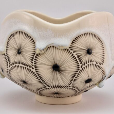 B716: Main image for Bowl made by Noelle Hoover