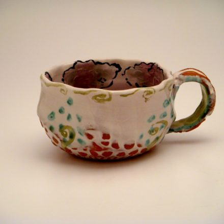 C69: Main image for Cup made by Deirdre Daw