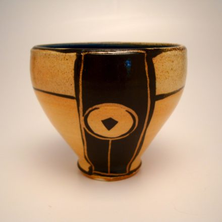 B140: Main image for Bowl made by Suze Lindsay