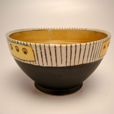 B147: Main image for Bowl made by Lorna Meaden