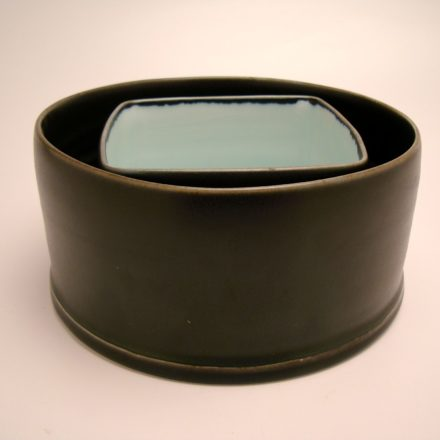 B454: Main image for Bowl made by Peter Beasecker
