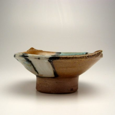 B120: Main image for Bowl made by Suze Lindsay