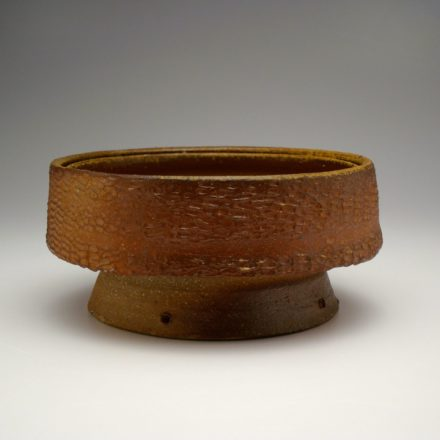 B202: Main image for Bowl made by Liz Lurie