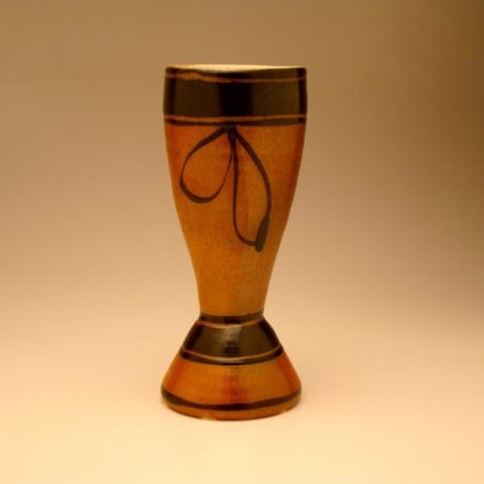 C140: Main image for Cup made by Suze Lindsay