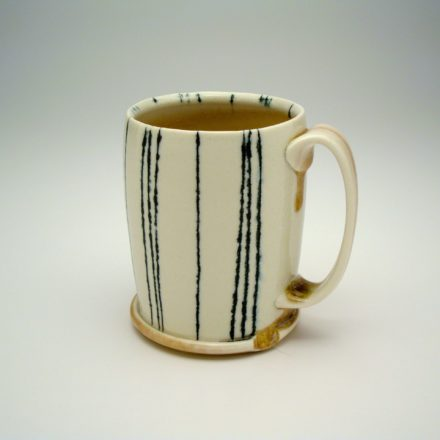 C353: Main image for Cup made by Lorna Meaden