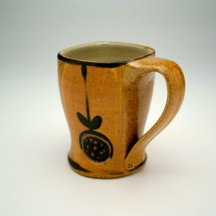 C356: Main image for Cup made by Suze Lindsay