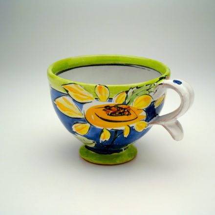 C404: Main image for Cup made by Linda Arbuckle