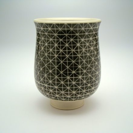 C652: Main image for Cup made by Lesley Baker