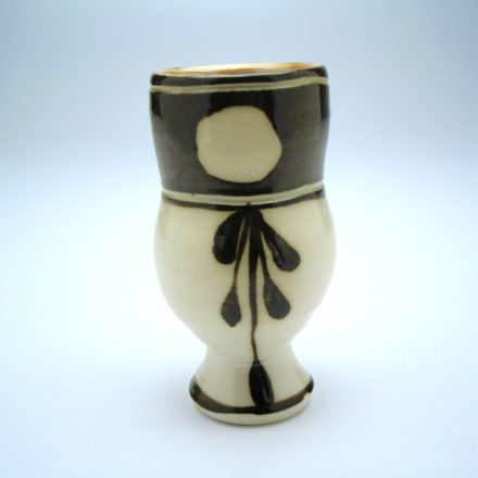 C680: Main image for Cup made by Suze Lindsay