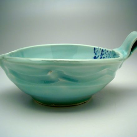 B376: Main image for Bowl made by Ayumi Horie