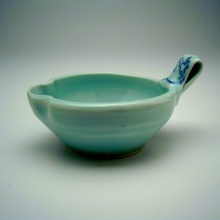 B381: Main image for Bowl made by Ayumi Horie