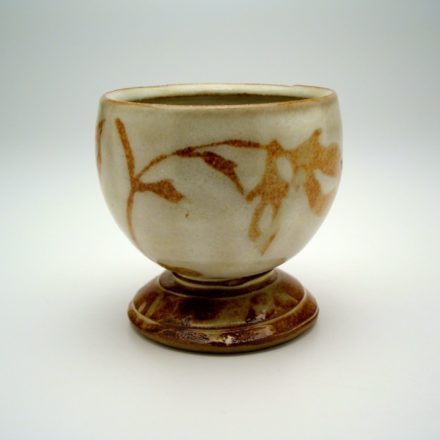 C462: Main image for Cup made by Margaret Pankhurst