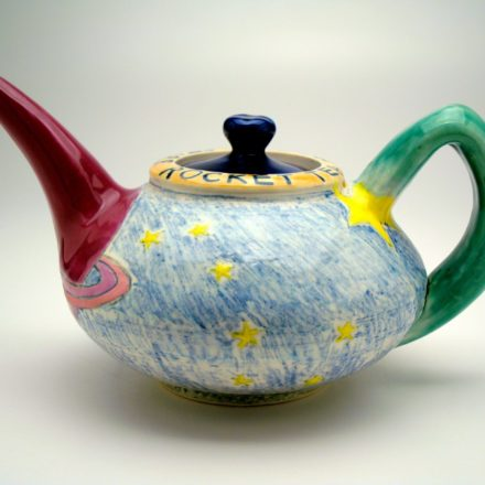 T52: Main image for Teapot made by Louise Rosenfield