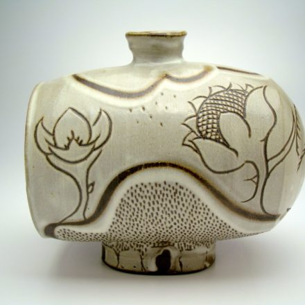 V53: Main image for Vase made by Louise Harter