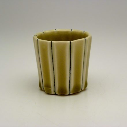 C525: Main image for Cup made by Lorna Meaden