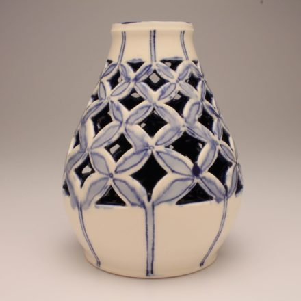 V126: Main image for Vase made by Louise Rosenfield