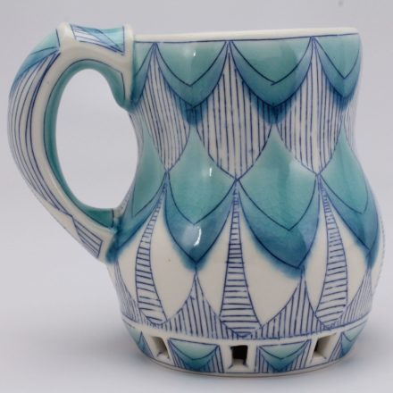 C879: Main image for Cup made by Andrea Denniston