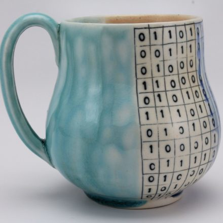 C882: Main image for Cup made by Julia Galloway