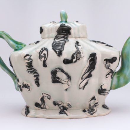 T89: Main image for Teapot made by Andrew Martin