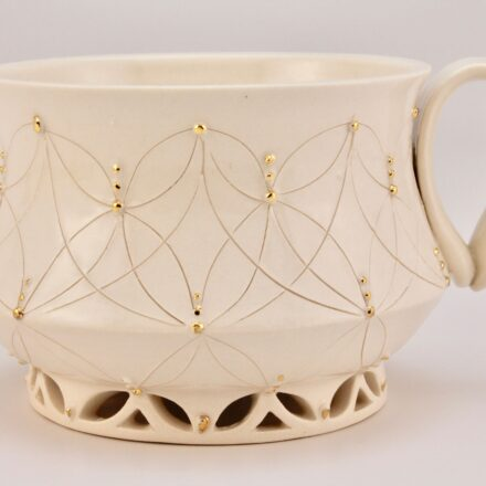 C1057: Main image for Cup made by Erin Carpenter