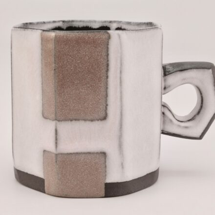 C1068: Main image for Cup made by Jessi Maddocks